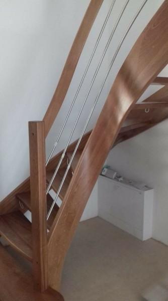 schody z drewna ciemne